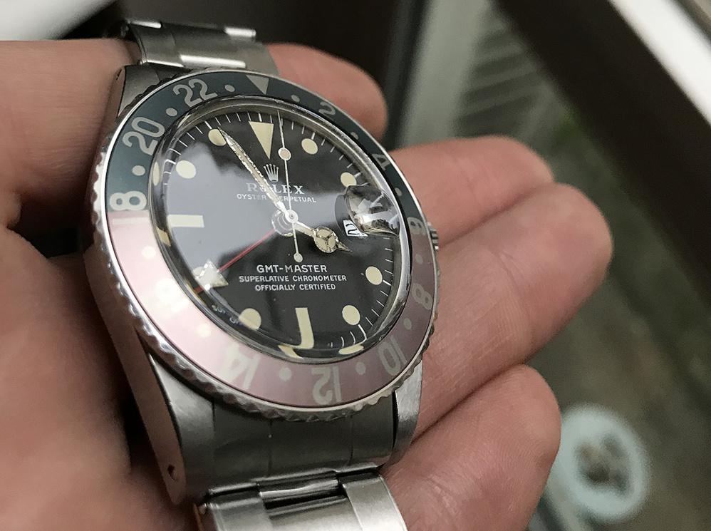 Entretenir ou réparer Rolex de collection vintage ou ancienne - restaurer un plexi rayé