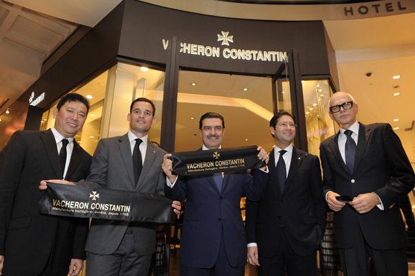 Inauguration de la première boutique exclusive Vacheron Constantin à Singapour. C'est la 27ème boutique Vacheron Constantin dans le monde.