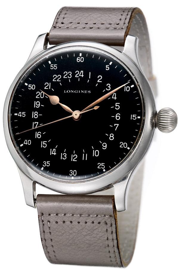 La montre Longines, portée par les navigateurs Swissair, a été spécialement fabriquée pour la compagnie aérienne par Longines au début des années 1950.