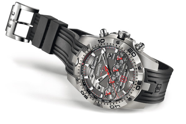 Montre EBERHARD and CO Chrono 4 Géant Edition limitée titane