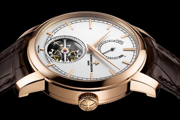 Patrimony Traditionnelle Tourbillon 14 Jours L'art horloger à l'état pur en ligne avec les nouveaux critères du Poinçon de Genève -
