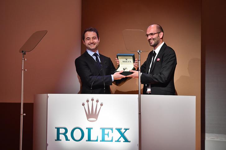 Remise de prix à un lauréat à l'occasion de la cérémonie Rolex Awards of Enterprise 2014