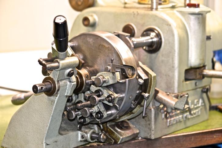 Machine utilisée depuis 60 ans pour tailler les cadrans