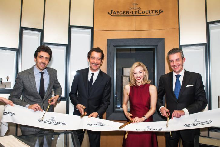 De gauche à droite: inauguration avec Philippe Bonay, président de Jaeger-LeCoultre Amérique du Nord, Clive Owen, Sarah Gadon, et Daniel Riedo, CEO de Jaeger-LeCoultre