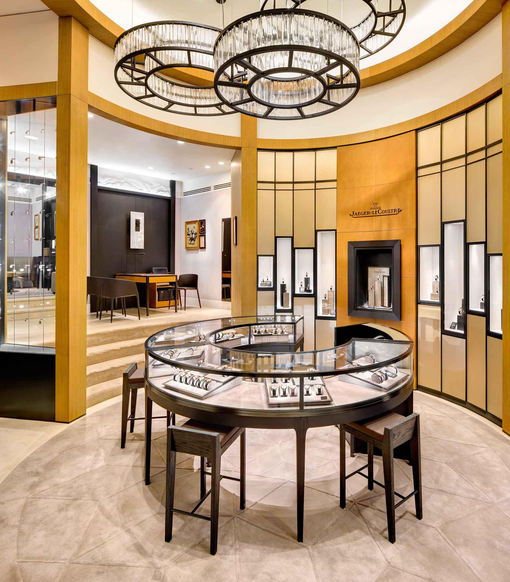 Jaeger-LeCoultre inaugure sa première boutique flagship new-yorkaise en présence de Sarah Gadon et Clive Owen