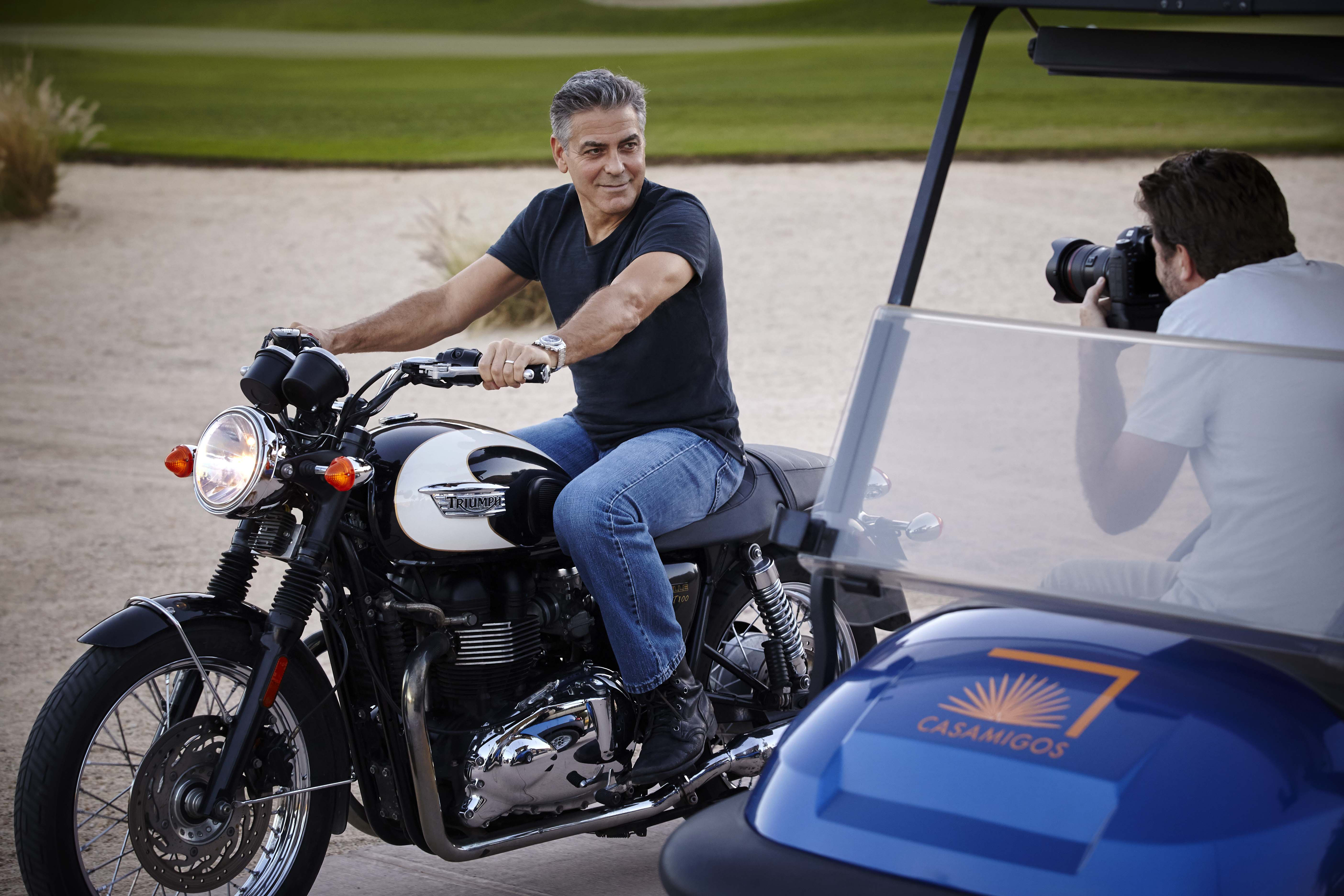 Le shooting de George Clooney pour Omega : Soleil couchant sur Los Cabos au Mexique…