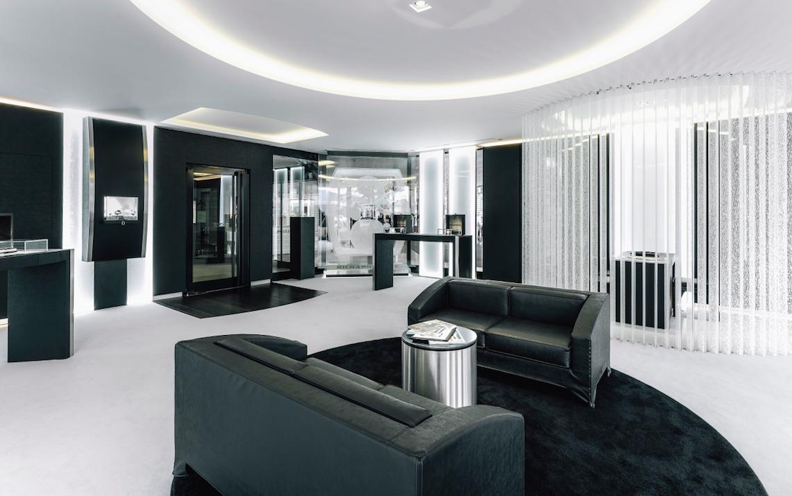 Richard Mille présente la RM 011 Geneva Boutique Edition, un modèle spécialement conçu à l'occasion de la réouverture de sa boutique de Genève